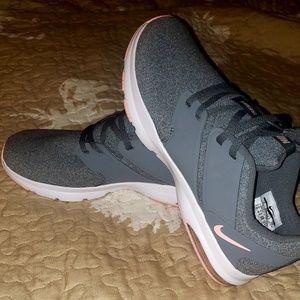 NWT Nike Air Bella